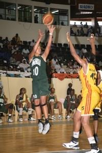 Le Nigéria sorti par le Mozambique et Clarisse Machanguana (15) (photo: FIBA Africa.org)