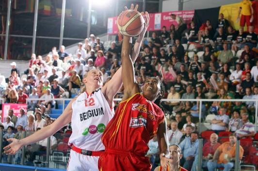 Le duel a tourné à l'avantage de l'Espagne en quarts de finale (photo: FFBB/Bellenger)