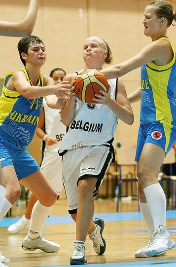 Malgré les apparences, la Belgique et Julie Van Loo n'ont pas du souffler face à l'Ukraine 93-35 (photo: FIBAEurope)