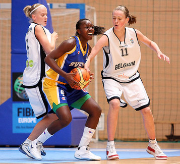 Julie Van Loo et Emma Meesseman pour un nouvel exploit ! (photo: FIBAEurope.com)
