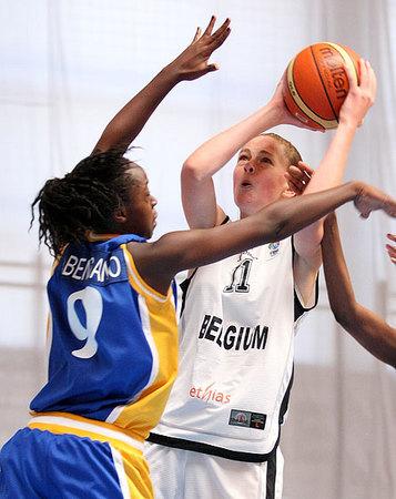 Emma Meesseman, toujours plus haut (photo: FIBAEurope.com)