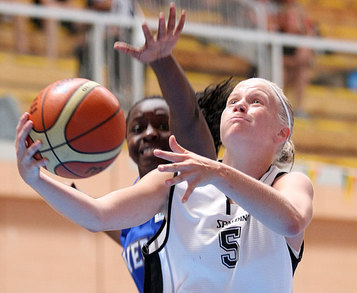 Julie Van Loo, 17 pts contre la Lituanie (photo: FIBA Europe.com)