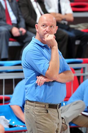 Il a fallu trouver des solutions pour Benny Mertens (photo: FIBA Europe/Viktor Rébay)
