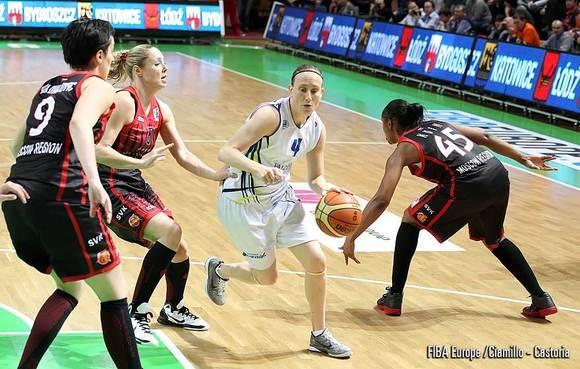 Anke De Mondt driblle du beau monde  (photo: FIBA Europe/Ciamilo-Castoria)