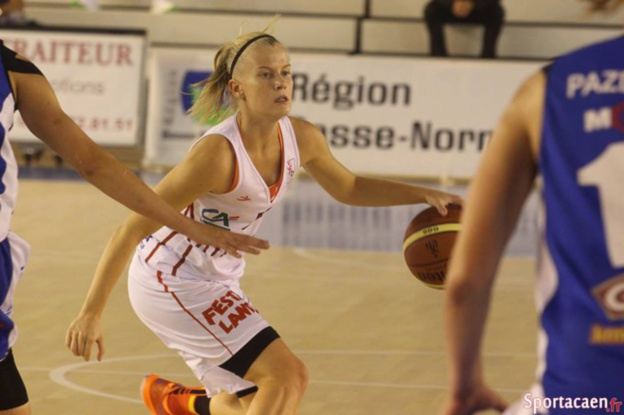 Julie Vanloo pour une 2e saison à l'US Mondeville (photo: sportacaen.fr)