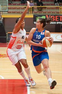 Une talenteuse et expérimentée meneuse, Maja Miljkovic à Namur (photo: FIBA Europe.com)