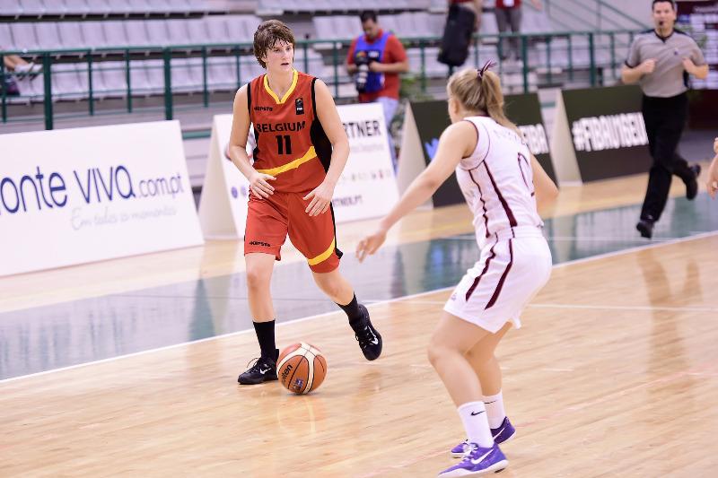 Lore Devos et les U16: LE match à gagner contre la Slovaquie dimanche (photo: FIBA Europe.com/Viktor Rebay)